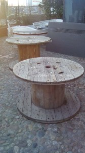 Tables made ​​of pallets at the Belgrado Cafe (7)