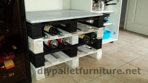 Bottle rack very easy to do with only 4 pallets 2