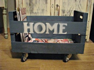 Make prints on your pallet furniture with spray paint 9