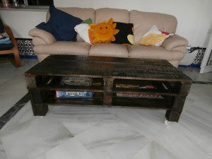 Pallet table for the living room step by step