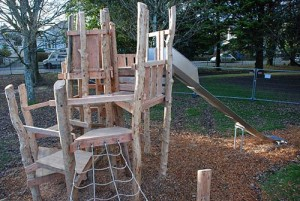 Playground made ​​of recycled wood and tree trunks 2