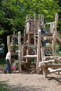 Playground made ​​of recycled wood and tree trunks 3