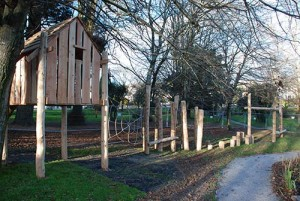 Playground made ​​of recycled wood and tree trunks