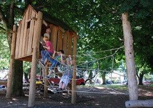 Playground made ​​of recycled wood and tree trunks 4