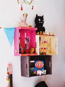 Several original ideas of shelves made from fruit boxes 3