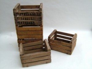 Several original ideas of shelves made from fruit boxes