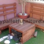 Sofa and table for the terrace made ​​with pallets