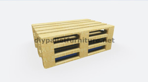 Step by Step instructions of how to make a table with 3 pallets 2