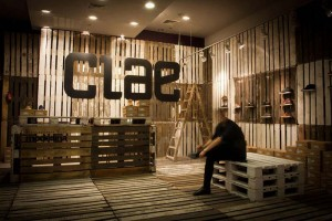 The footwear brand Cloe decorates their shops with recycled pallets