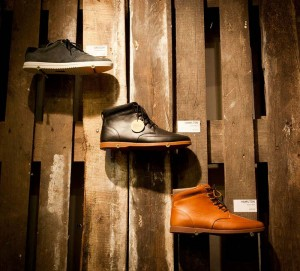 The footwear brand Cloe decorates their shops with recycled pallets 4