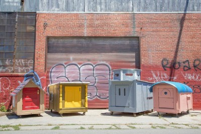 An artist creates mobile homes from pallets for homeless people 9