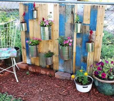 How to make a nice garden with pallets
