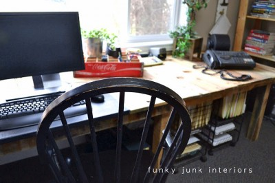 Plans and instructions of how to do a desk with pallets