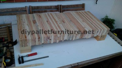 Table for your living room made ​​of planks from dismantled pallets 2