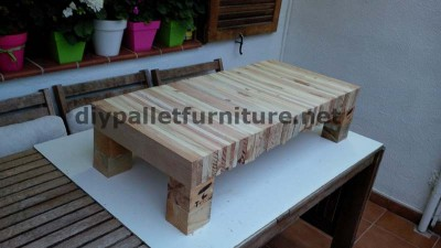 Table for your living room made ​​of planks from dismantled pallets 3