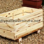 The planter of Manou made ​​with pallets