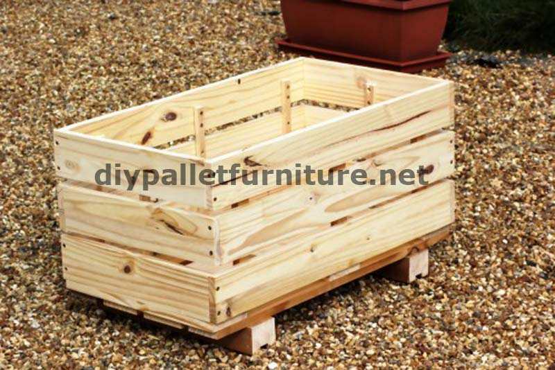 The planter of manou made with palletsdiy pallet furniture - Macetas hechas con palets ...