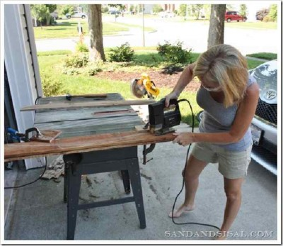 Decorate your home with a surfboard made with pallets 4