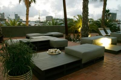 Elegant design furniture made from pallets 3