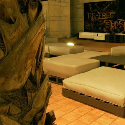 Elegant design furniture made from pallets 4