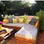 Garden Lounge made with pallets