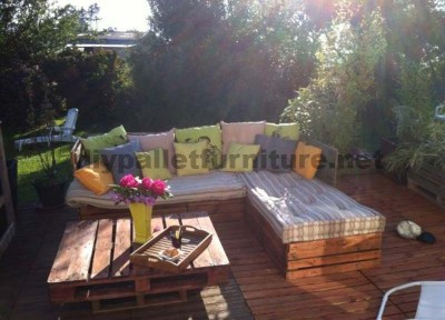 Garden Lounge made with pallets 2