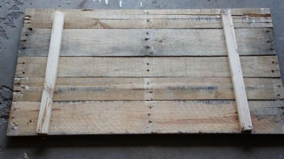 How to make a photo frame with pallets 3