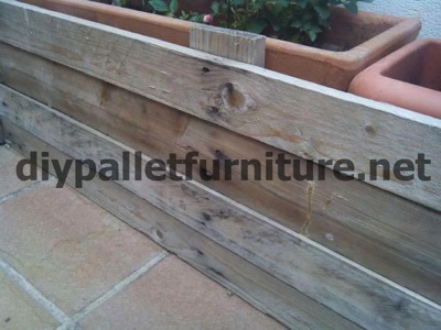 How to make a screen to cover a pallet planter 4 How to make a pallet screen to cover a planter