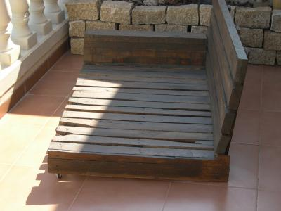 How to make a sofa-chaiselong with pallets, explanation and plans 3