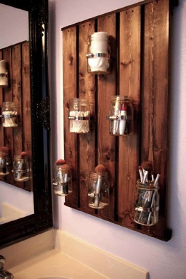 How to make a stylish bathroom cabinet with just a single pallet 7