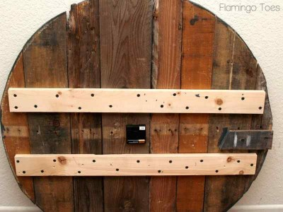 Instructions for how to build your own clock with pallets 2
