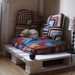 Reading nook where to get relaxed or a little bed for your pet with only one pallet!