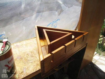 Step by step guide for making a triangular bottle rack​ with pallets 2