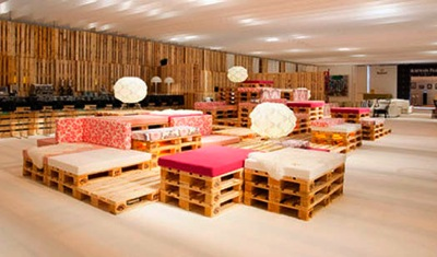 Step by step instructions of how to make a chillout lounge with pallets 2
