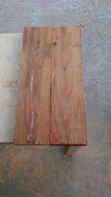 Steps and instructions of how to build a mailbox made with pallets 2