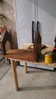 Steps and instructions of how to build a mailbox made with pallets 9