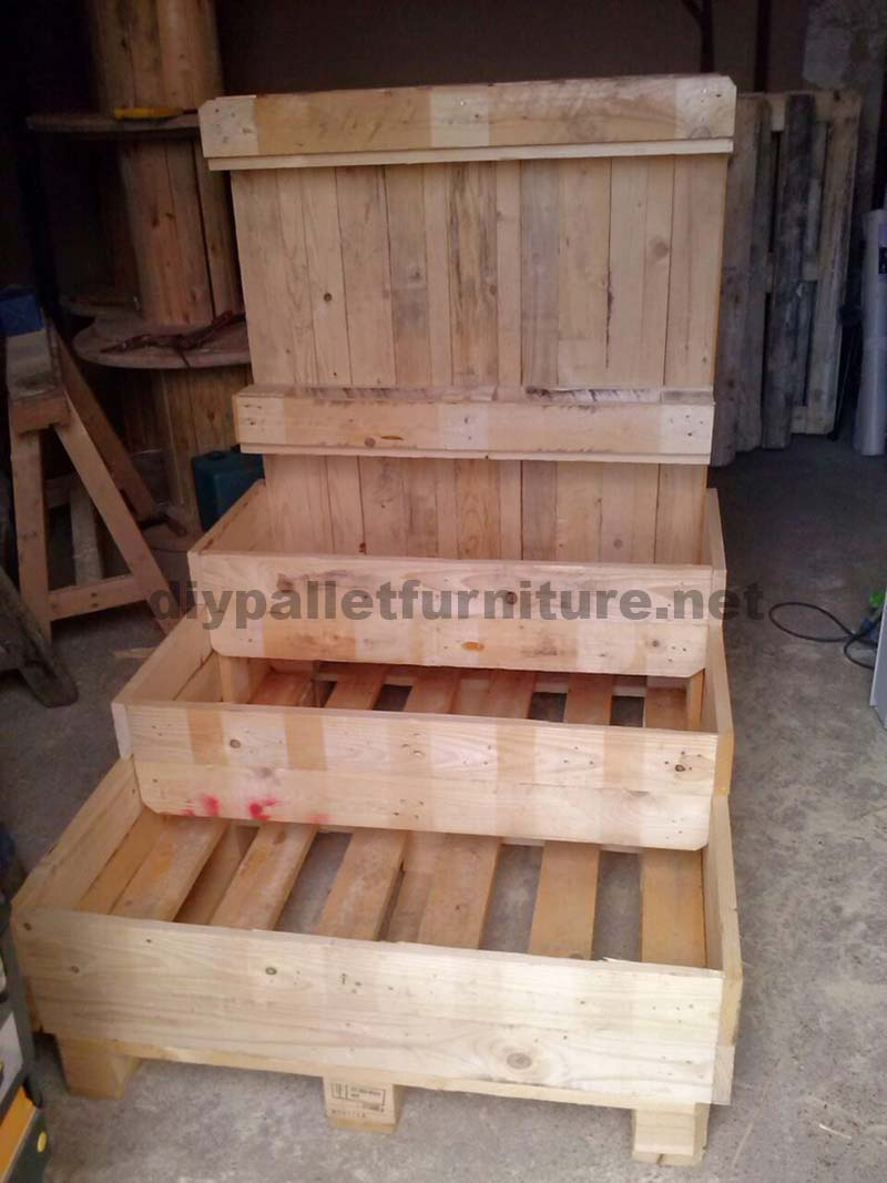 The pallet planter and urban garden with steps of manou 5diy pallet furniture - Jardiniere en palette ...