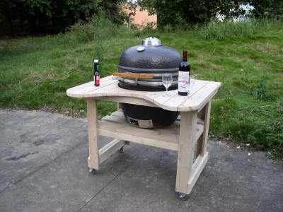 A barbecue with pallets 2