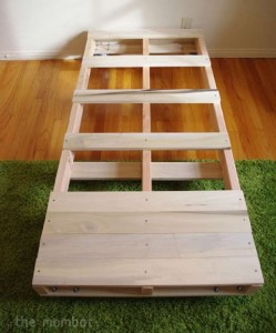 Build a bed for your kids with pallets 3