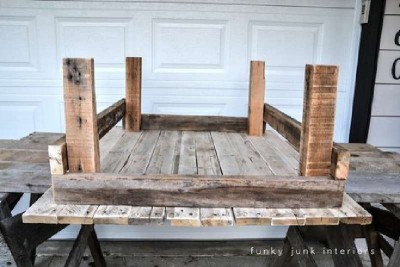 A table made ​​from pallets with rural design, step by step 2