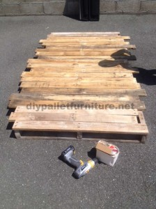 Instructions for making a bed headboard with pallets 3