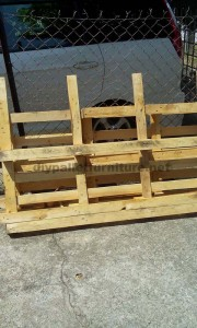 TV cabinet made ​​with traces of pallets 2