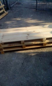 TV cabinet made ​​with traces of pallets 4