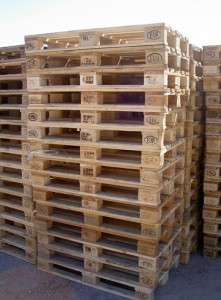 1 221x300 6 basic steps to build your own furniture with pallets