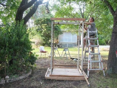 An outdoor shower with pallets, Step by Step 2