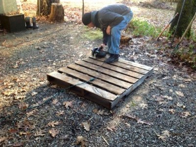 Build a rabbit hutch with pallets 2