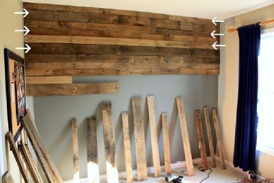 Coated your bedroom with pallet planks 3