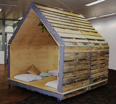 corner made of palletsDIY Pallet Furniture | DIY Pallet Furniture