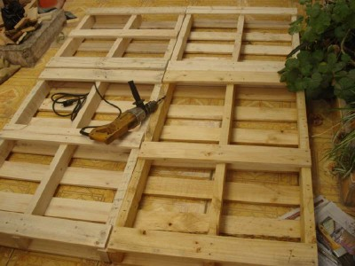 Mattress building process ​​with pallets 2