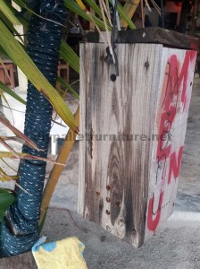 Outdoor lamp made ​​with pallet planks 3